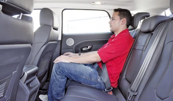 Range Rover Evoque Si4 plazas traseras