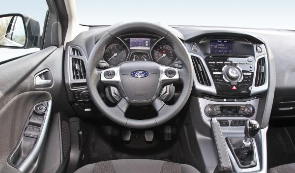 Ford Focus 1.0 EcoBoost 125 estática interior salpicadero