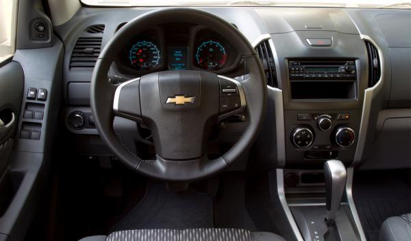 Chevrolet Colorado 2012 puesto de conducción