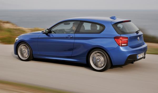 BMW Serie 1 2012 tres puertas perfil
