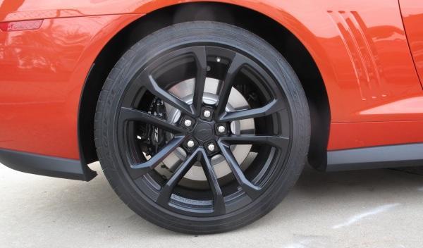 Chevrolet-Camaro-ZL1-llantas-aligeradas-consumo