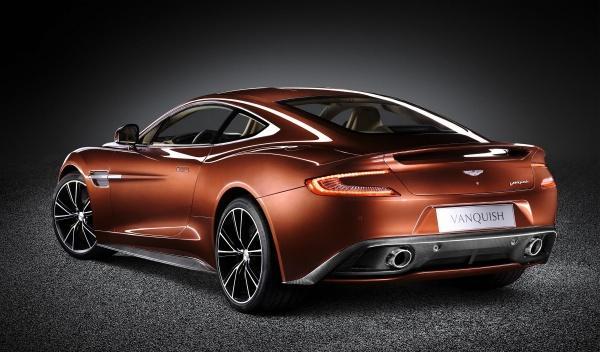 El nuevo Aston Martin Vanquish monta neumáticos Pirelli P Zero