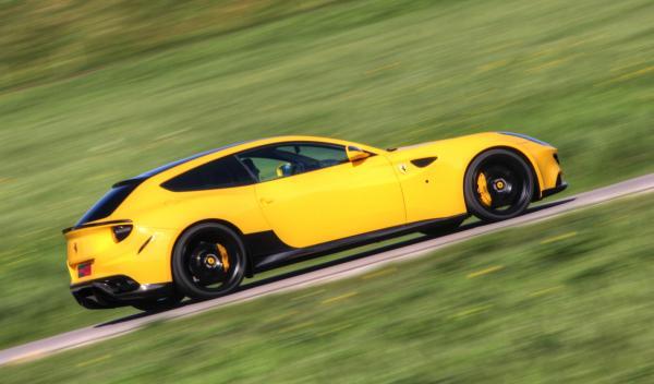 Ferrari FF NOVITEC ROSSO exterior