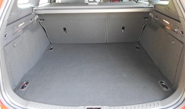Cargado hasta el techo, el Ford Focus ST Sport Break cubica 1.502 litros