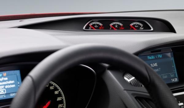 Los plásticos del Ford Focus ST 2012 son muy, muy blandos
