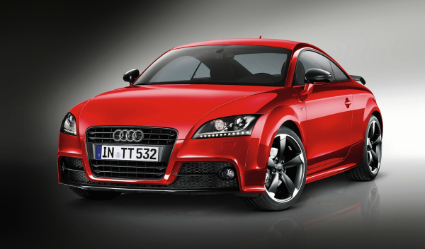 Audi TT Coupé S line competition frontal