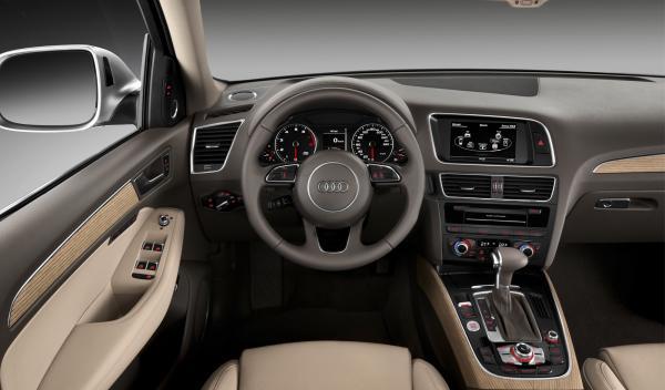 Audi Q5 2012 interior