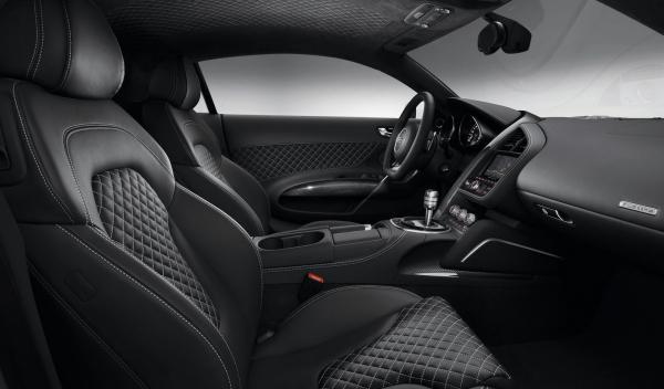 Audi R8 2013 interior