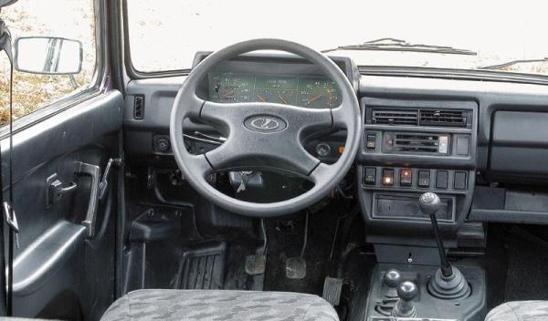 Lada Niva, interior