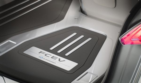 Nissan Terra SUV Concept, pila