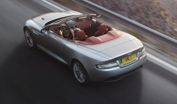Trasera del Aston Martin DB9 Volante 2013