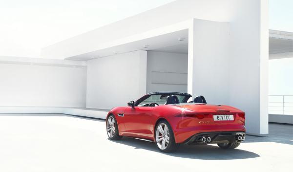 Lo mejor del Jaguar F-Type está en su zaga
