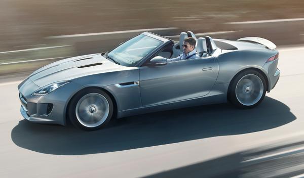 El Jaguar F-Type con el alerón retráctil desplegado