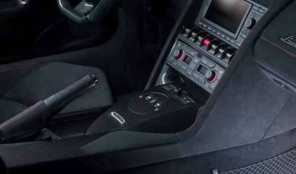 Lamborghini Gallardo LP 570-4 Edizione Tecnica 2013 interior