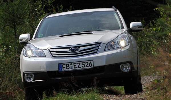 Subaru-Outback-3.6-R-Aut.-frontal-dinámica