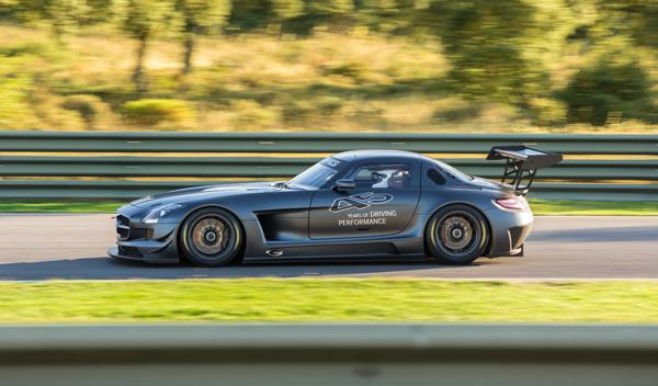 Mercedes-SLS-AMG-GT3-45-aniversario-lateral