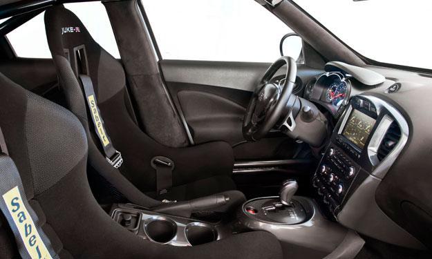Nissan Juke-R interior