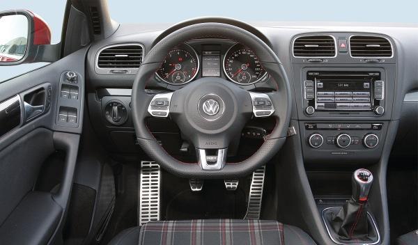 Volkswagen Golf GTI habitáculo