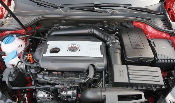 Volkswagen Golf GTI Cabrio motor