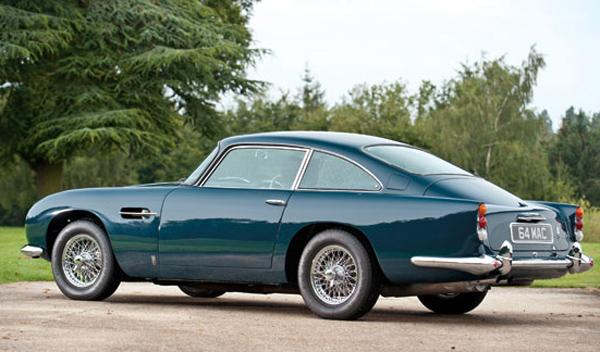 Aston Martin DB5 Paul McCartney trasera