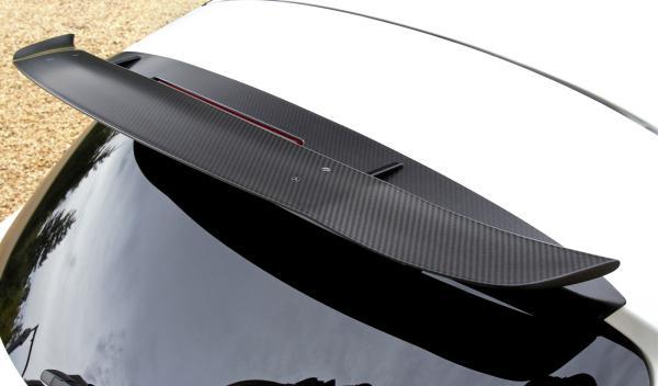 El spoiler trasero del Infiniti FX Vettel Edition está inspirado en el monoplaza