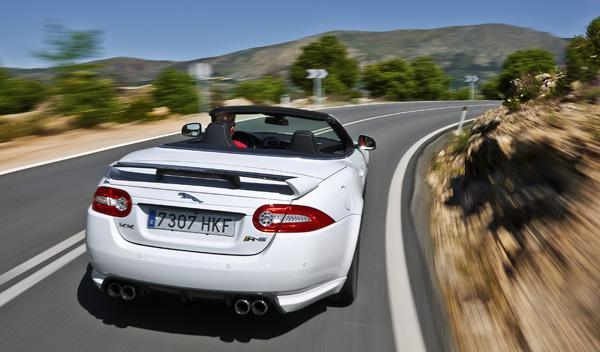 Jaguar-XKR-S-convertible-trasera
