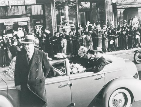 Roosevelt Cadillac cabrio