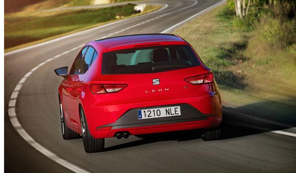 Seat Leon tercera generación 2.0 TDI FR 184 CV dinámica trasera
