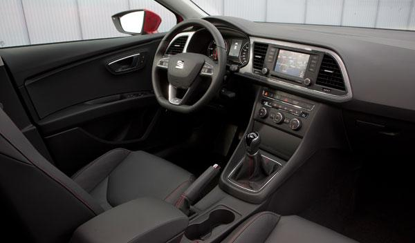 Seat Leon tercera generación 2.0 TDI FR 184 CV interior salpicadero