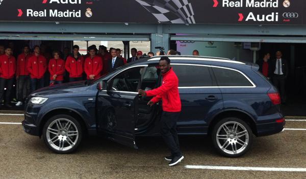 entrega coches audi jugadores real madrid Essien Audi Q7