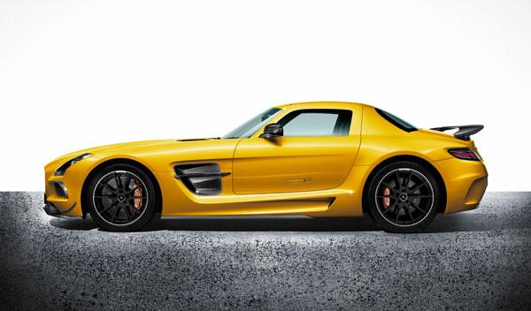 El nuevo Mercedes SLS AMG Black Series lateral