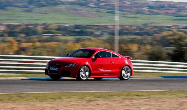 Prueba Audi TT RS Plus en movimineto