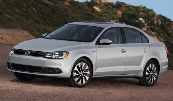 Volkswagen Jetta Hybrid lado