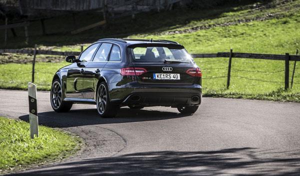 Audi RS4 Avant ABT trasera dinámica