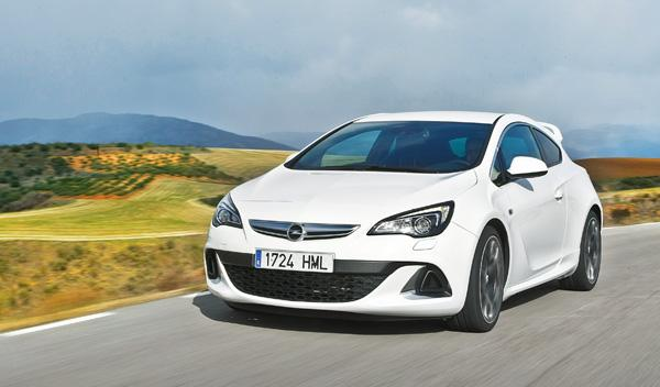 Opel Astra OPC 2012 frontal