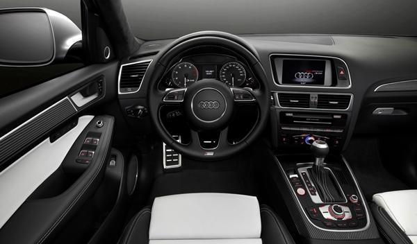 Audi SQ5 TFSI interior