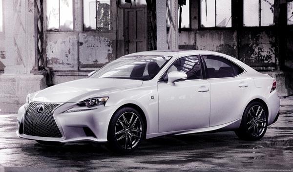 Lexus IS 2013 tres cuartos