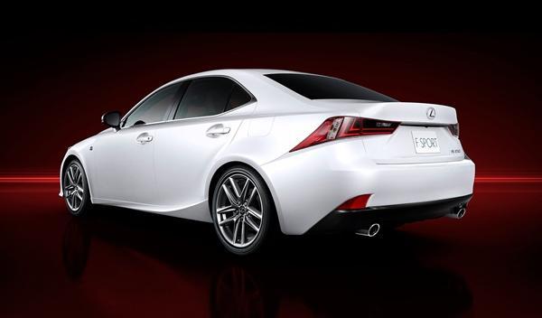 Lexus IS 2013 trasera