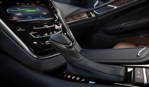 Cadillac ELR caja