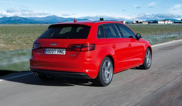 Audi A3 Sportback 1.8 TFSI 180 S tronic dinámica trasera