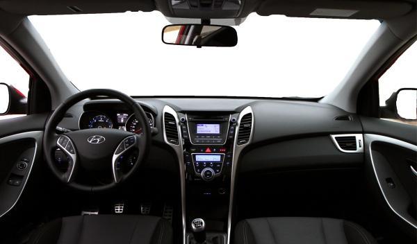 Hyundai i30 3p puesto conducción