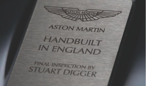 Aston Martin Rapide S placa