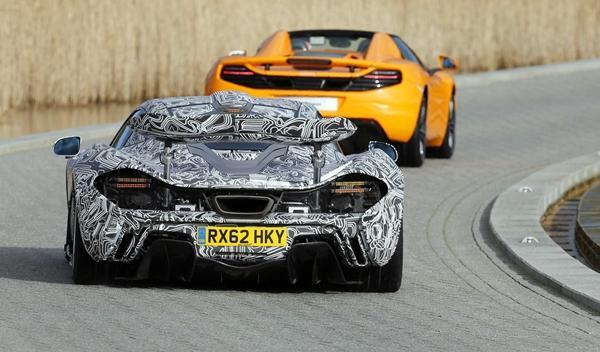 Jenson Button prueba el McLaren P1 trasera