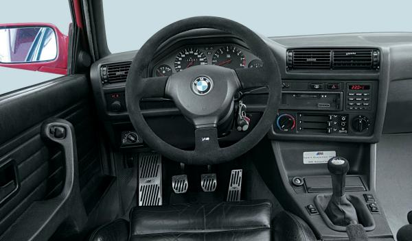 BMW M3 E30 salpicadero