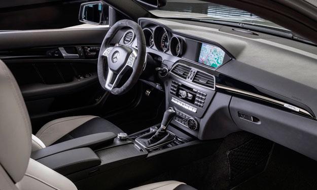 Mercedes C63 AMG 507 Edition salpicadero