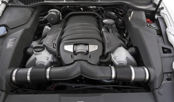 Porsche Cayanne GTS, motor