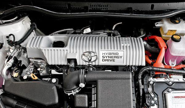 Toyota Auris Hybrid interior motor