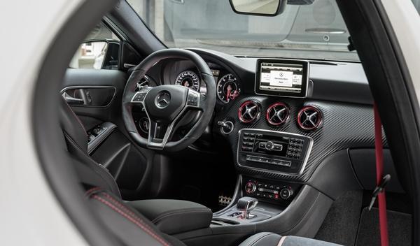 Mercedes_A_45_AMG_interior