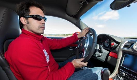Porsche Cayman 2013 al volante