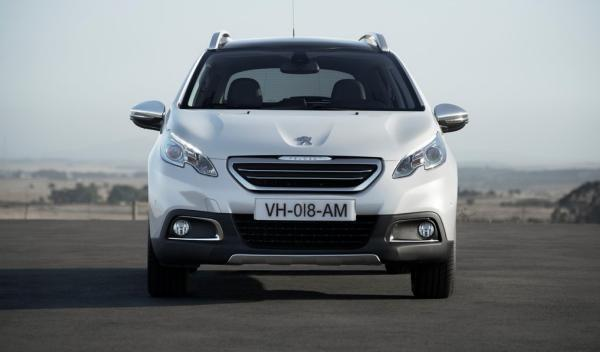 Peugeot 2008, frontal